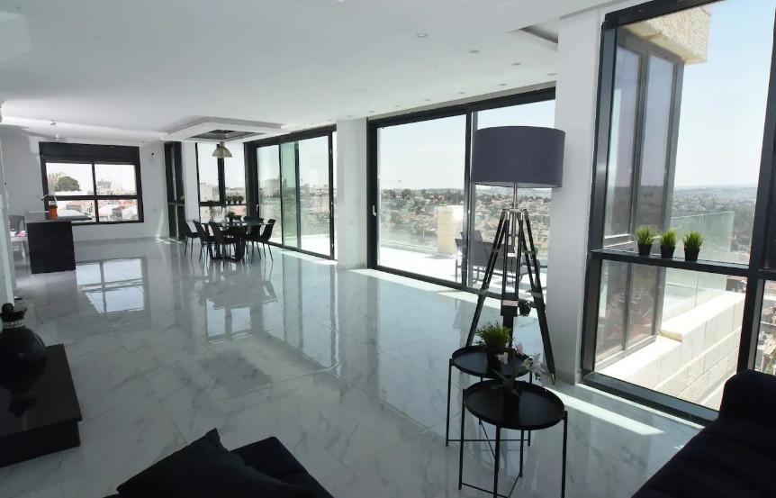 Mani Street – 4 Bdrm Penthouse